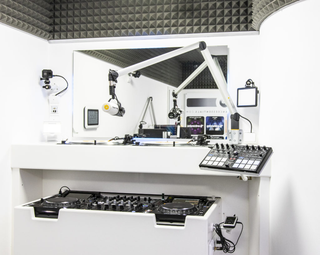 View DJ Corner 2